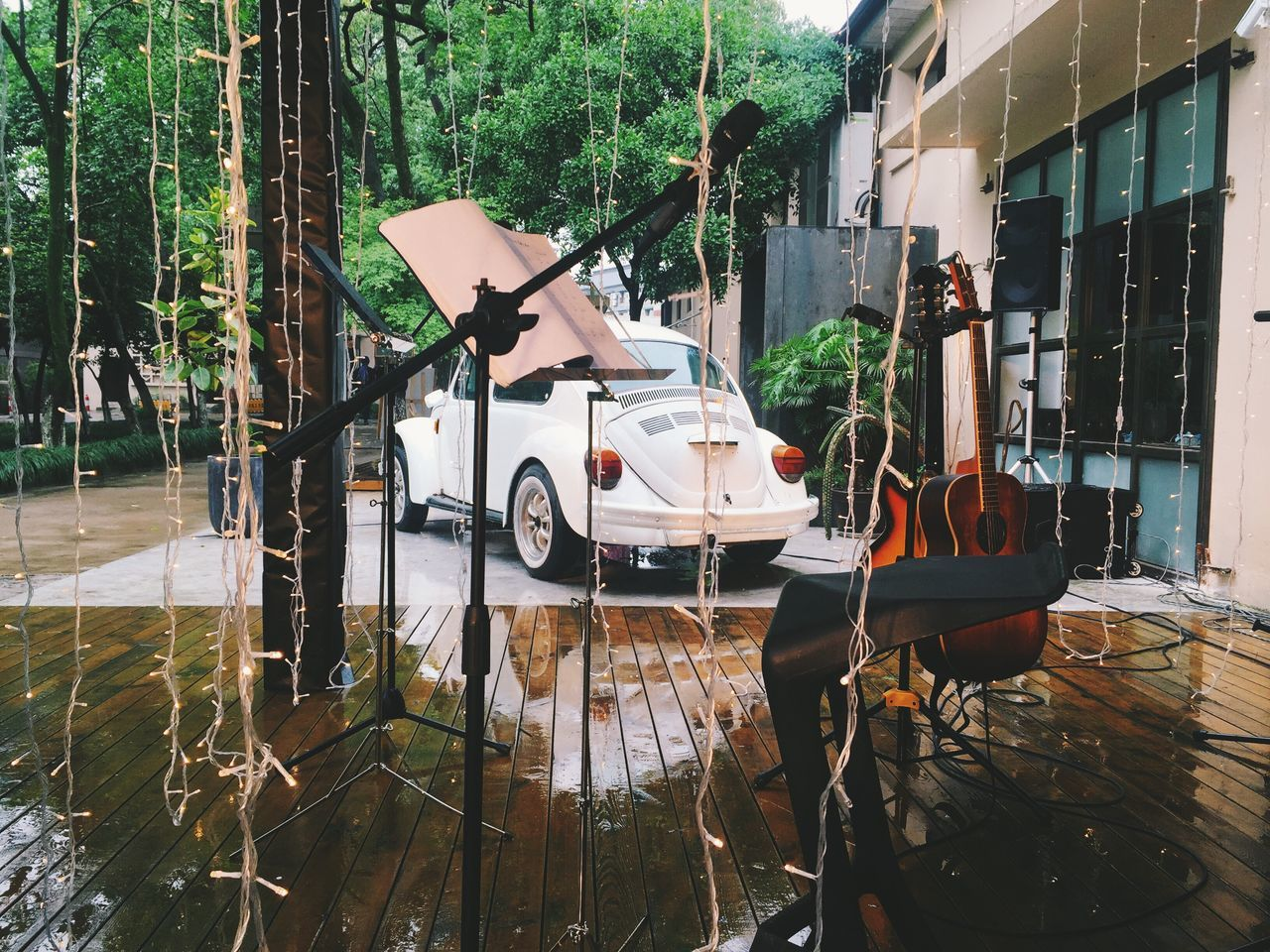 Weddings Around The World Wedding Photography Wedding Stage Singing In The Rain Guitar Live Music Music Is My Life Vintage Cars Scene Showcase May Summer