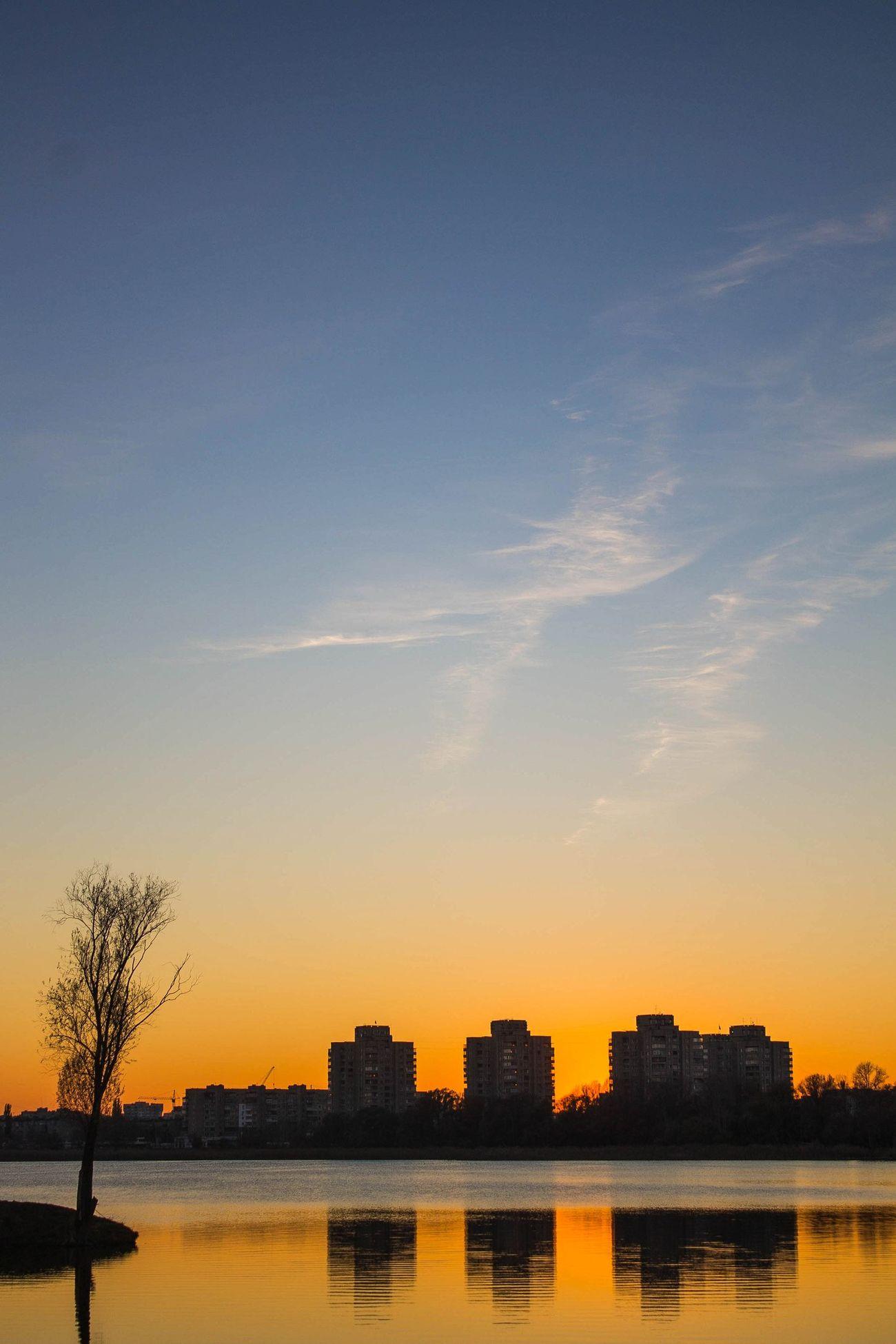 Оранжевый закат закат🌇 небо⛅️ озеро First Eyeem Photo