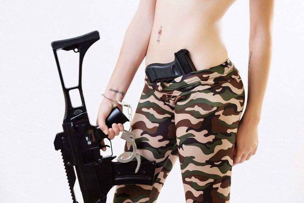 Army Army Soldier Army Style Army Life Army! Army Girl Army Green Guns Gun Sexygirl Sexywomen SexyGirl.♥ Piercing Piercings PiERCiNGS & TATTOOS Tattoos Tattoo Tattoo ❤ Tattoomodels Tattoo Life Tattooed