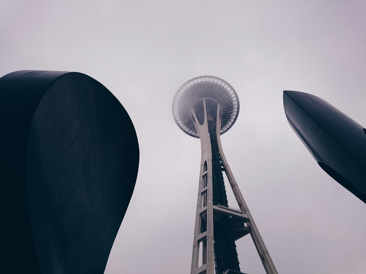 Space saucer Low Angle View No People Tower EyeEm Masterclass PNW Uniqueness Sonyimages EyeEm Best Shots Sony Walking Around Adapted To The City Streetphotography Architecture PNWonderland Lieblingsteil Future
