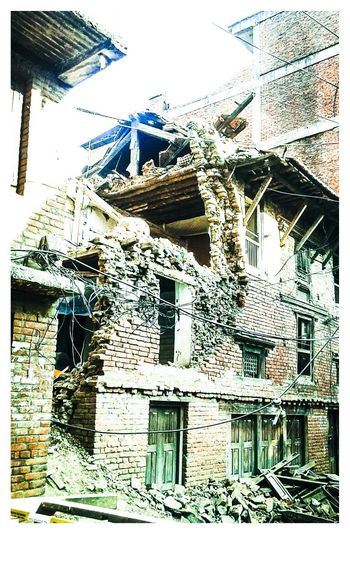 No country deserves this :( Earthquake In Nepal Destroyed In Seconds Nepal Earthquake Natural Disasters Samsungphotography Check This Out Nepal Pray For Nepal