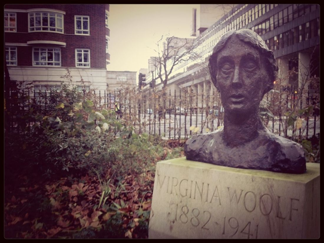 """""""I am rooted, but I flow."""" Virginia Woolf Statue Books Bloomsbury"""