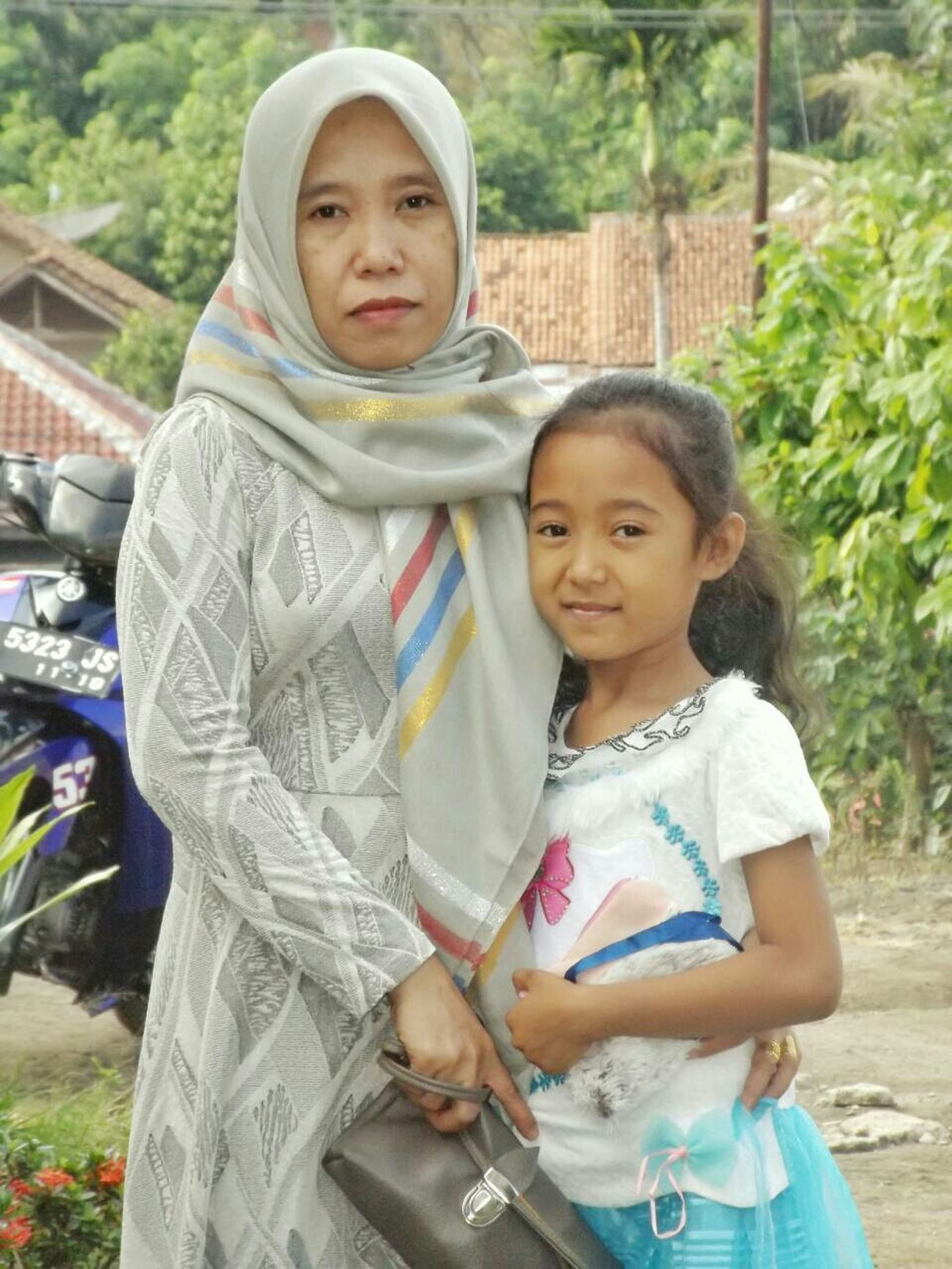 Happy birthday mom 😘😍😁😄💕💋💏✌🌹🍻🎂 Harapannya yg baik-baik aja ya😁 semoga panjang umur,sehat selalu,dll. Happy Birthday Mom! 5 Oktober 2015 Senin Vscocam Panoramashot Taking Photos My Mom My Little Sister ♡