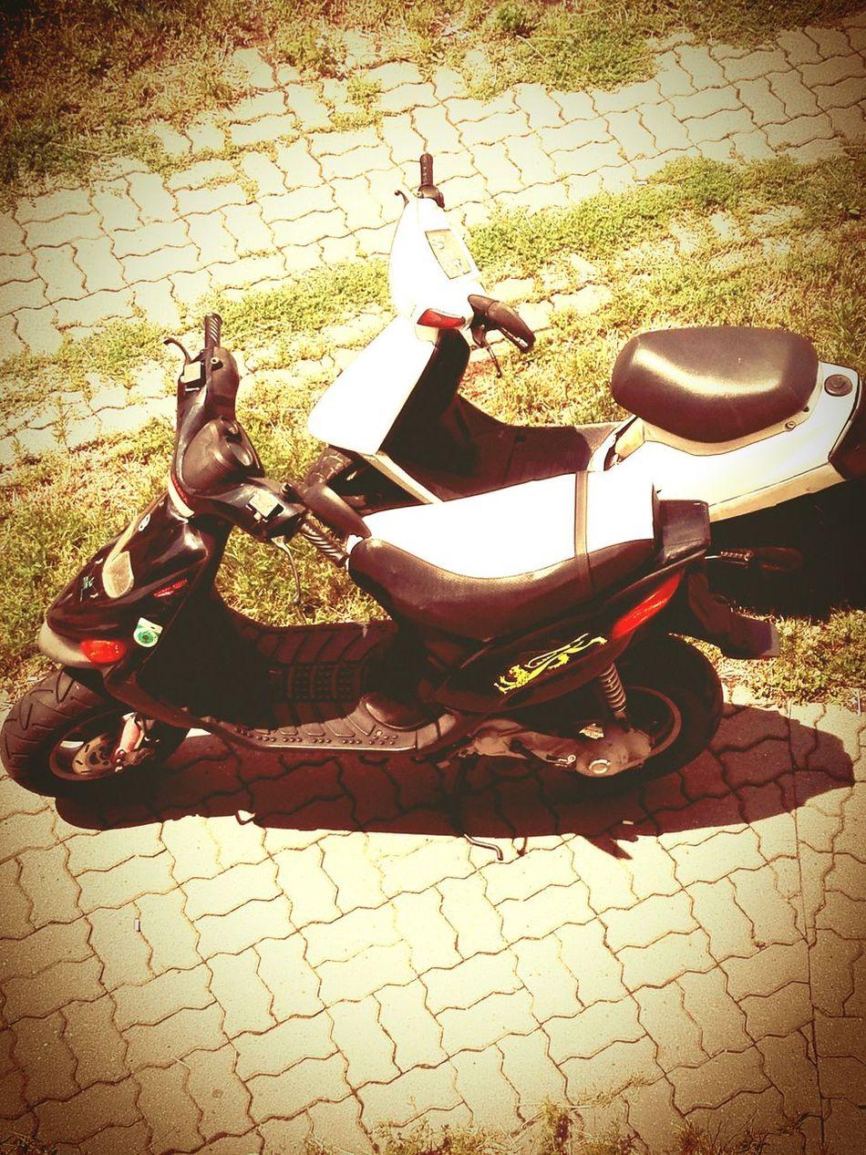 Gilera Stalker & Yamaha Jog Black&white Scooter Zala