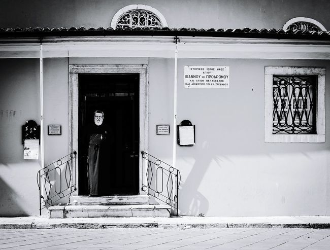 Waiting in Corfú, Greece Streetphotography Black And White Taking Photos Eye4photography  The Moment - 2015 EyeEm Awards The Street Photographer - 2015 EyeEm Awards Blackandwhite