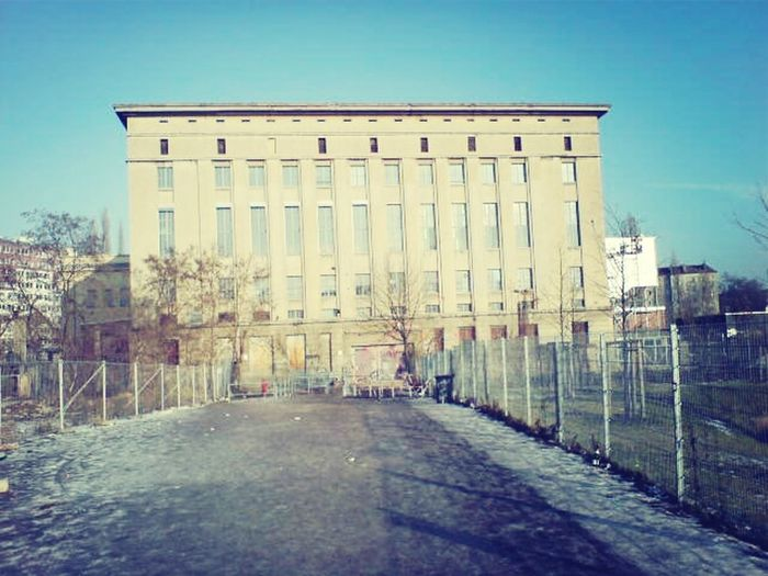 Berliner Ansichten aus der Pannebar I ♥ Berghain Your'e Welcome / on tour X) Berlin Szene Clubbing Berlin Club Szene Berliner Clubs Adapted To The City