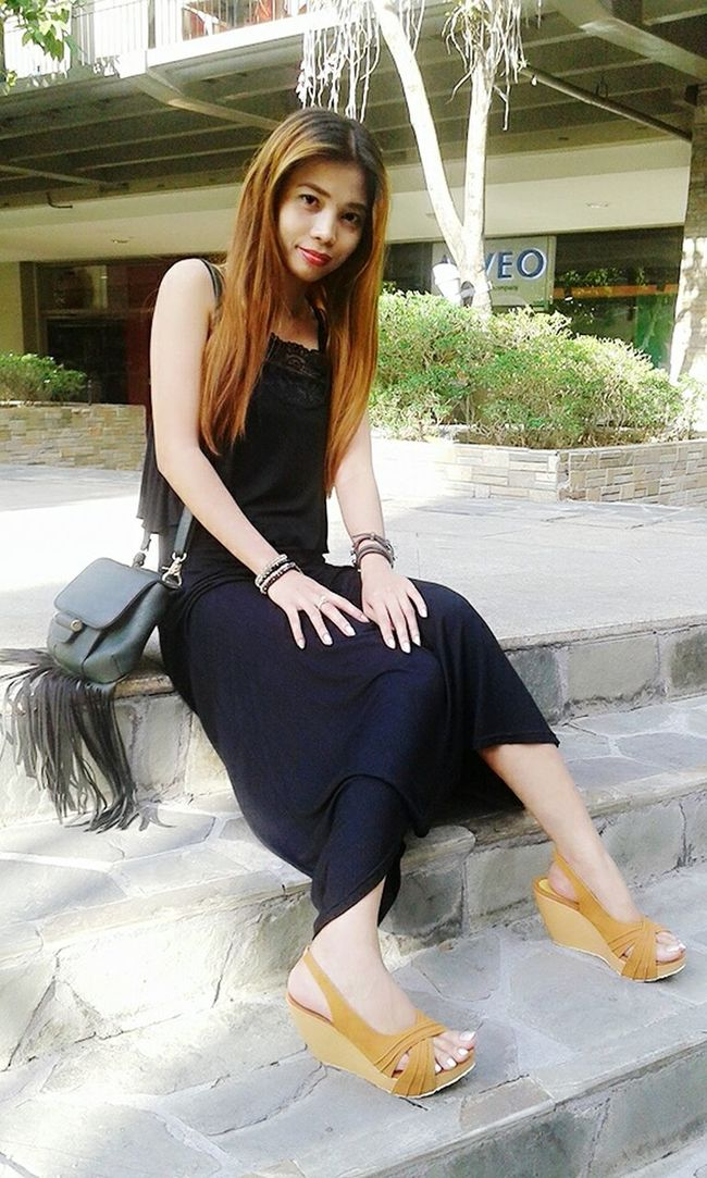 Hi! That's Me Sitting Pretty Maxidress Black Dress LookingCute  KAWAII Its My Birthday  Keeping It Classy Keeping It Simple Stay True, Be YOU ❥ Lets Do It Chic! Express Yourself ❤ Filipina Simple Beauty Stay Cool My Blog http://jennyfashionillustration.jimdo.com