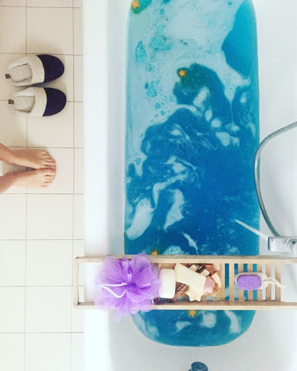 Bath Bath Art Bathbomb Water Ocean Blu Water Feet Bathtub One Person Real People Bathroom Indoors  Low Section Hygiene Day
