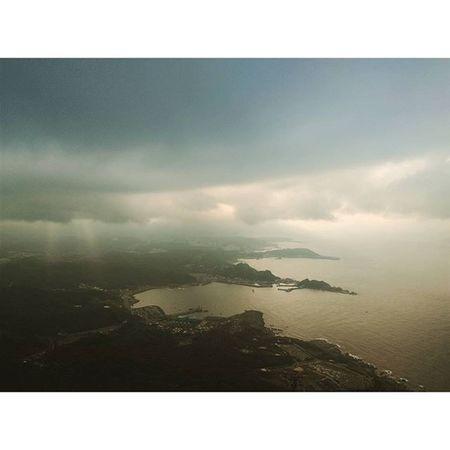 天氣沒有很美麗 爬山爬得要命 最後來個大起霧?! 想必...... 這是老天爺今天給咱們團隊的禮物 😅 大家辛苦了 Work Portofolio Hiking clouds cloudy mountains specificocean sunset