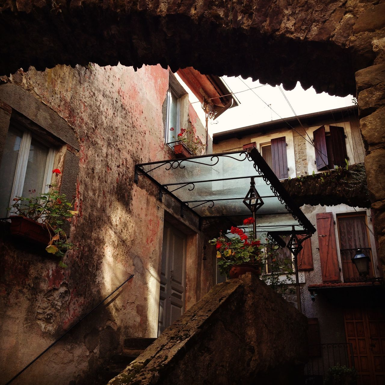 Filetto Tuscany Toscana Stone House Flowers Taking Photos Italy Girl