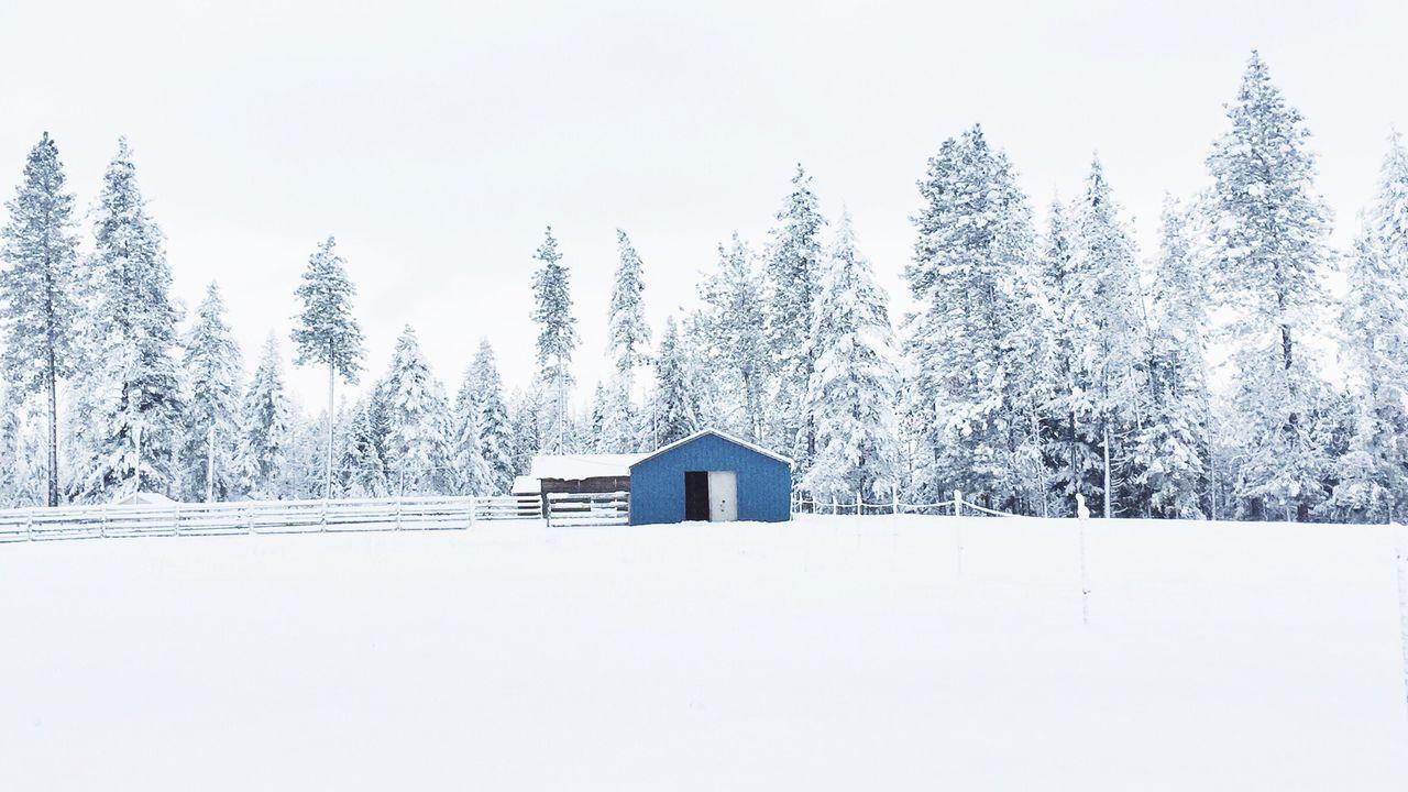 Shootermag Minimalobsession Symmetry Minimallandscape Monochrome Snow Deepfreeze The Architect - 2015 EyeEm Awards The Great Outdoors - 2015 EyeEm Awards White Album