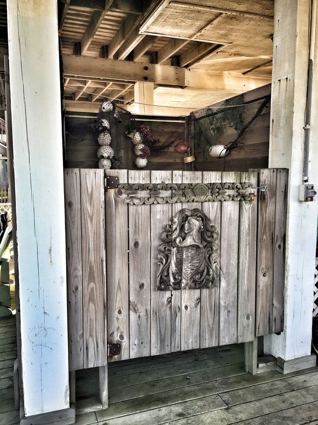 Beach Life BeachHouse Outdoor Showers Outdoor Shower Doors Galveston Texas Texas Galveston Island  Galveston Beach  Shower Taking Photos Random Randomshot Wood - Material Wood Wooden Post Wooden Door