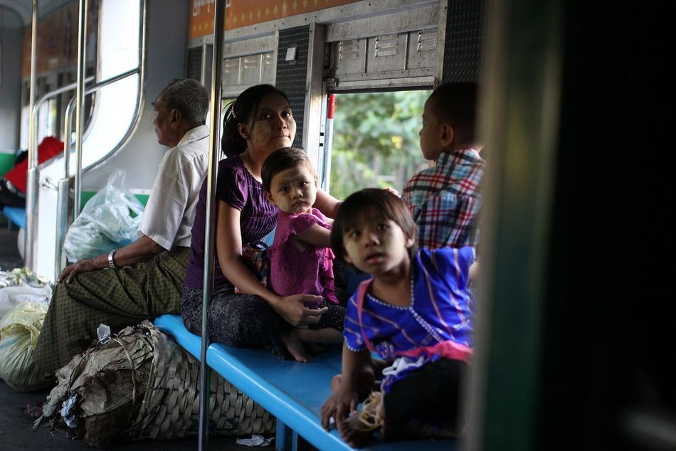 The Photojournalist - 2015 EyeEm Awards Myanmar Burma Yangon Train Family Kids Travel Streetphotography Yangon Circular Railway Yangon, Myanmar Railway Curiousity On The Way Children ASIA Asian Culture Burmese