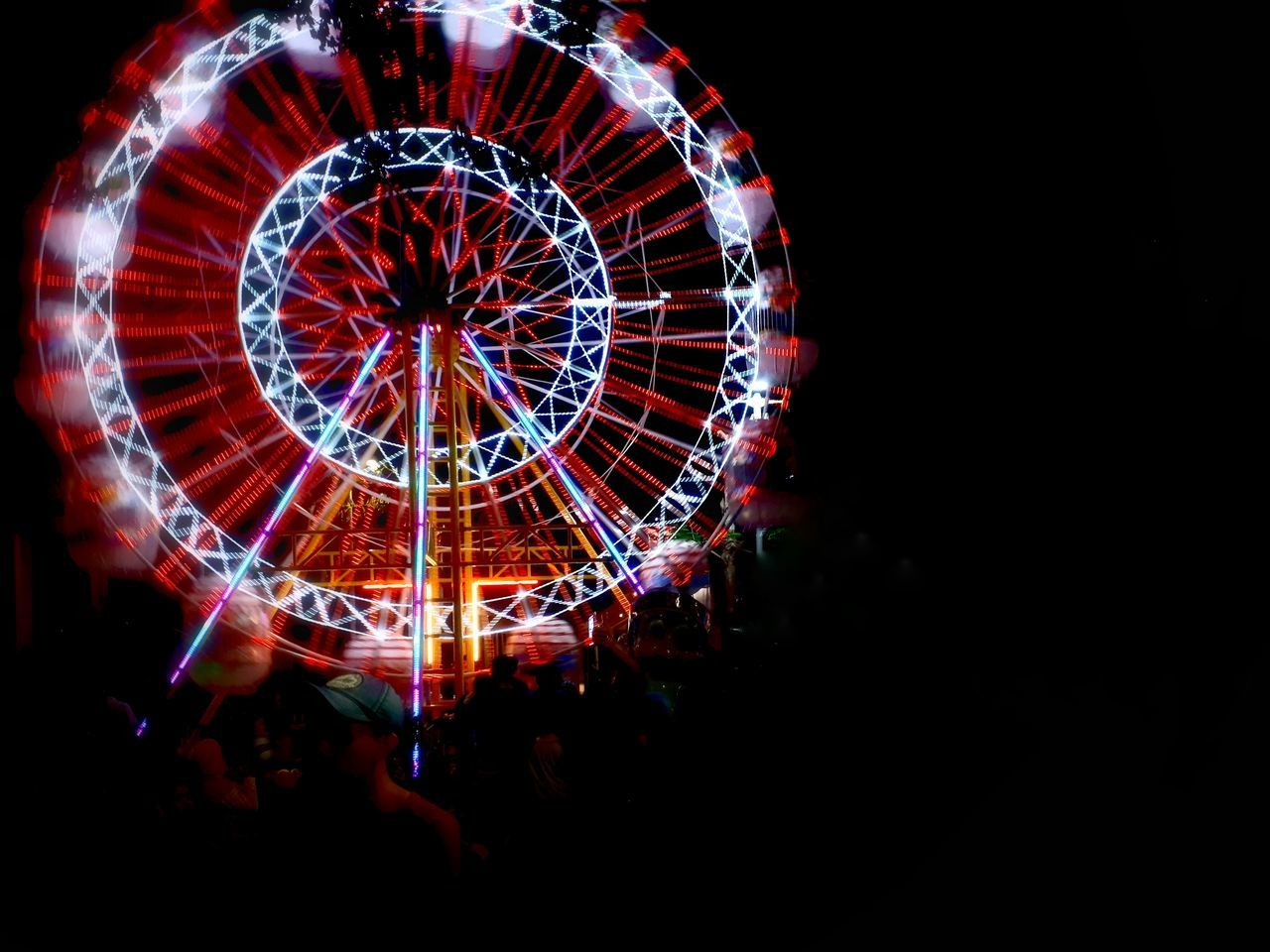 arts culture and entertainment, amusement park, illuminated, leisure activity, night, enjoyment, amusement park ride, real people, ferris wheel, large group of people, outdoors, people