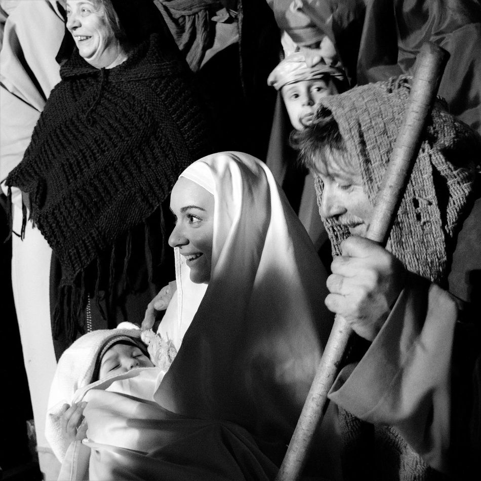 Presepe vivente a Villa Collemandina- Living Nativity in Villa Collemandina Black & White Black And White Black And White Photography Christmas Christmastime Garfagnana Italia Italy Living Nativity Natale  Nativity Night Night Photography Nightphotography Portrait Presepe Presepevivente Presepio Reportage Storytelling Tuscany Villa Collemandina