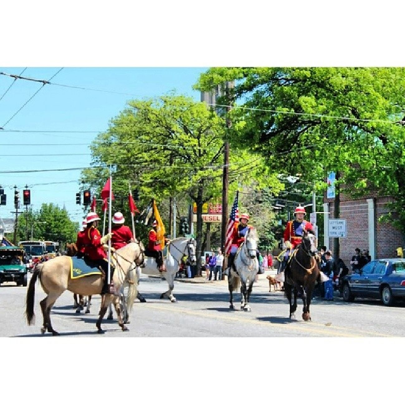 작년 미국국군의 날때 퍼레이드 Memorialday Boston Watertown Parade instagoodinstapic instalike instamoodinstaphototagsforlikes like4like nofiltermemory2013picphoto photoofthedaypicofthedaybestoftheday