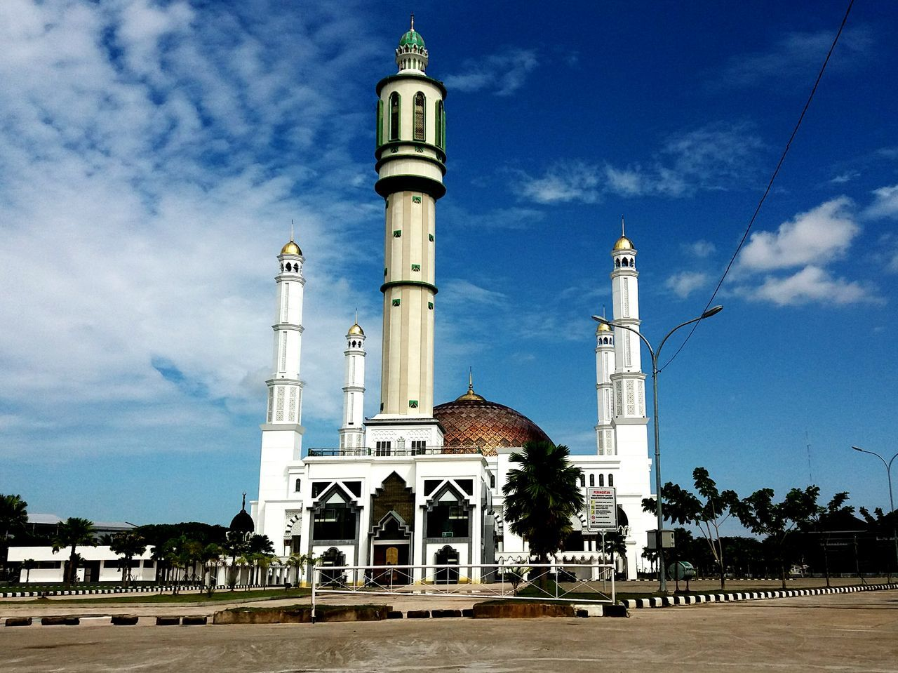 Taking Photos Check This Out Fromwhereistand Morning Sky Mosque God's Place Pontianak City INDONESIA Architecture