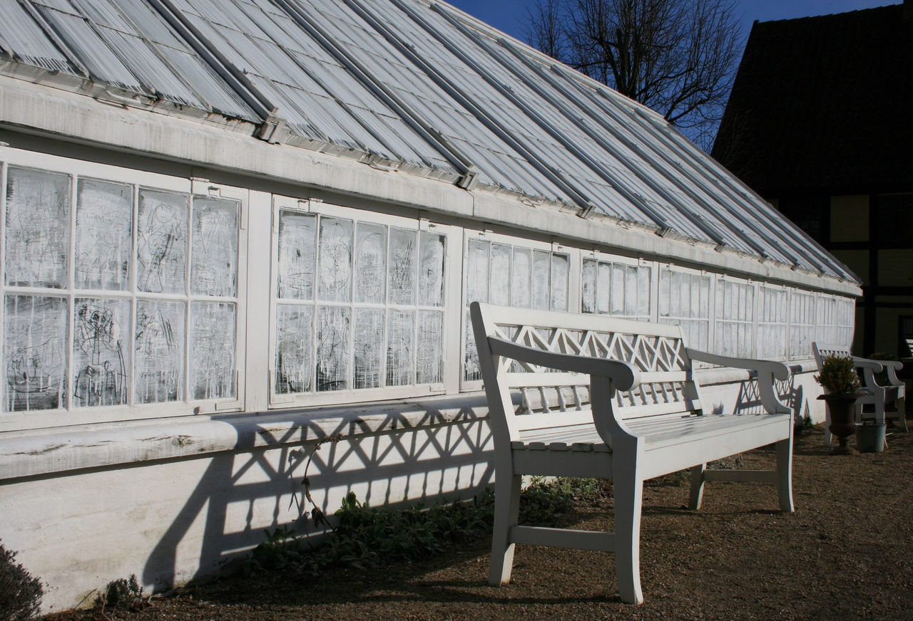 Gewächshaus in Den Gamle By Aarhus Absence Architecture Bench Blue Built Structure Day Dengamleby Denmark Empty Glasshouse Nature No People Old Outdoors Sky Sunlight Sunny White