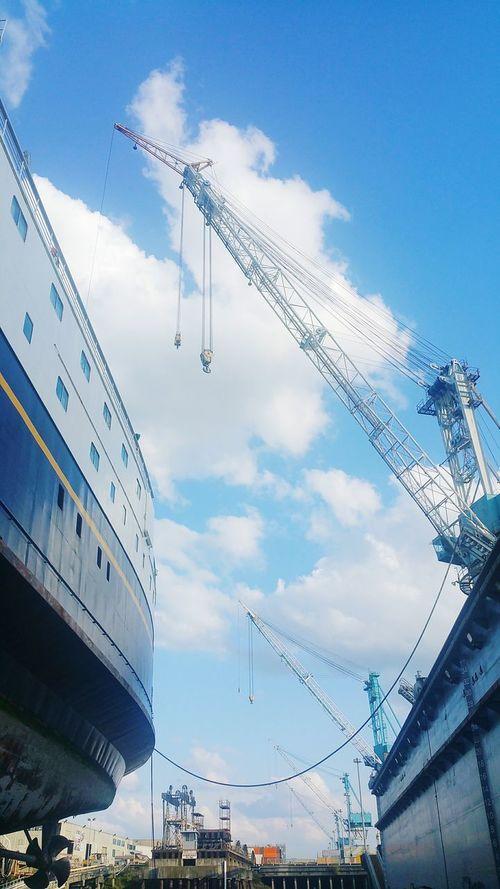 Industry Maritime Shipbuilding Shipyard Crane AMHS Ferry Cloud - Sky Vertical Vessel Portland Oregon Drydock