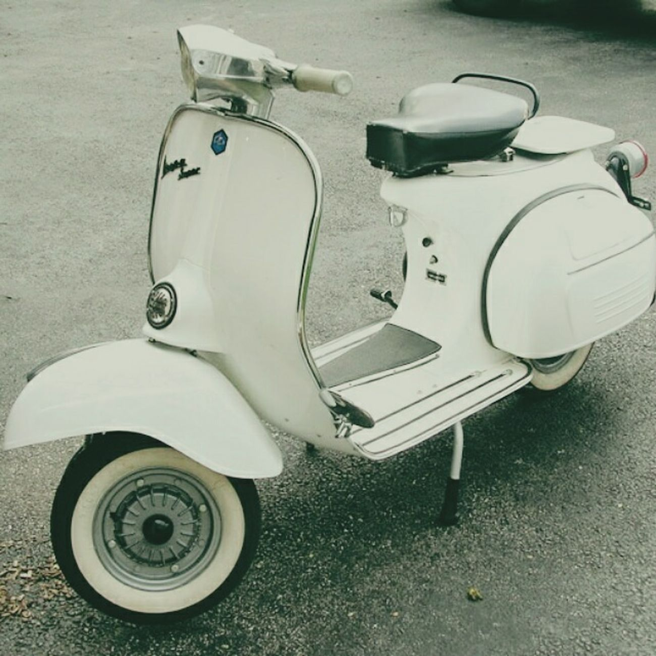 Will be mine soon. Vespavintage Vespalife Vespasprint150 Vespaclassic
