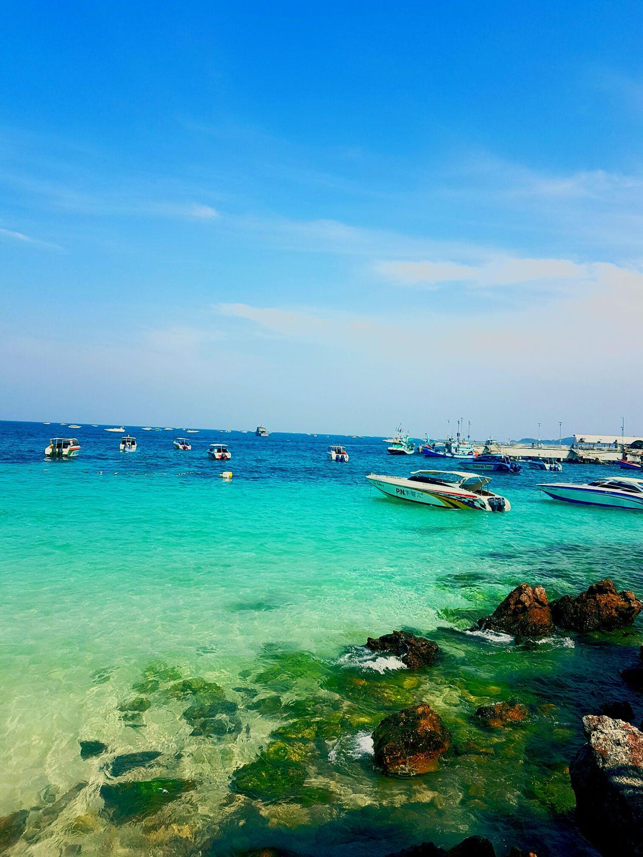 Koh Larn Sea Sea Life Beach With Clear Blue Sky And Sea Warer