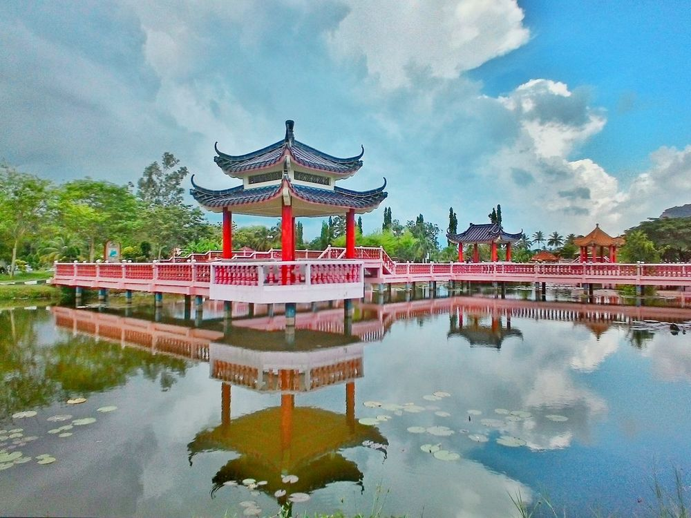 Cloud - Sky Lake Water Reflection Sky Travel Travel Destinations Scenics Ancient Civilization City Nature Outdoors Architecture Art Art Is Everywhere History Palace Arts Culture And Entertainment Royalty Dragon Day No People