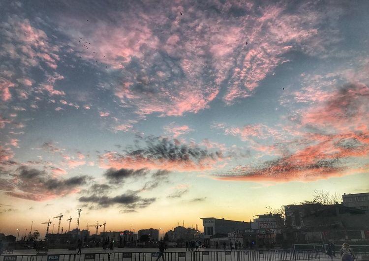 Istanbul Istanbul #turkiye Sunset #sun #clouds #skylovers #sky #nature #beautifulinnature #naturalbeauty #photography #landscape Birds Iphone7