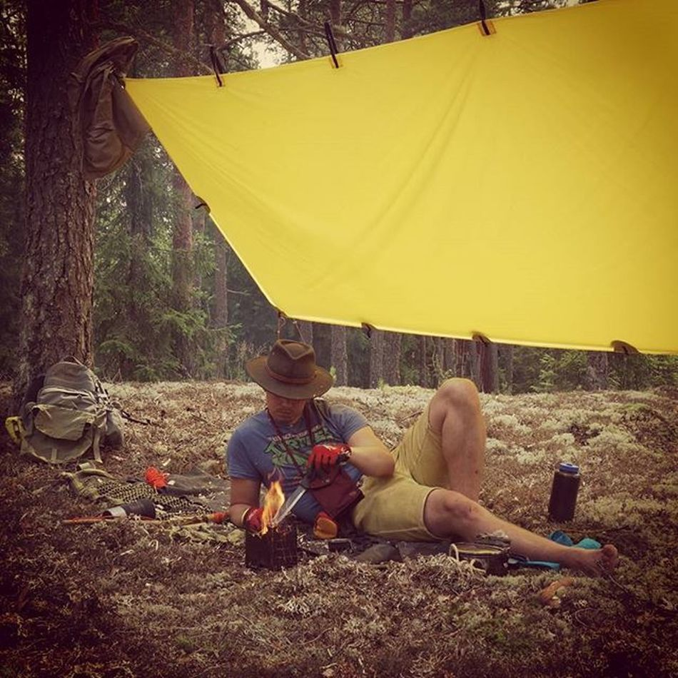 Howdy! Good morning ya'll! Hope your summer is sweet as stolen honey Out and about with Kuntzi DDhammocks Tarp Turtlesshirt - optional morapathfinder camelbak vivobarefoot