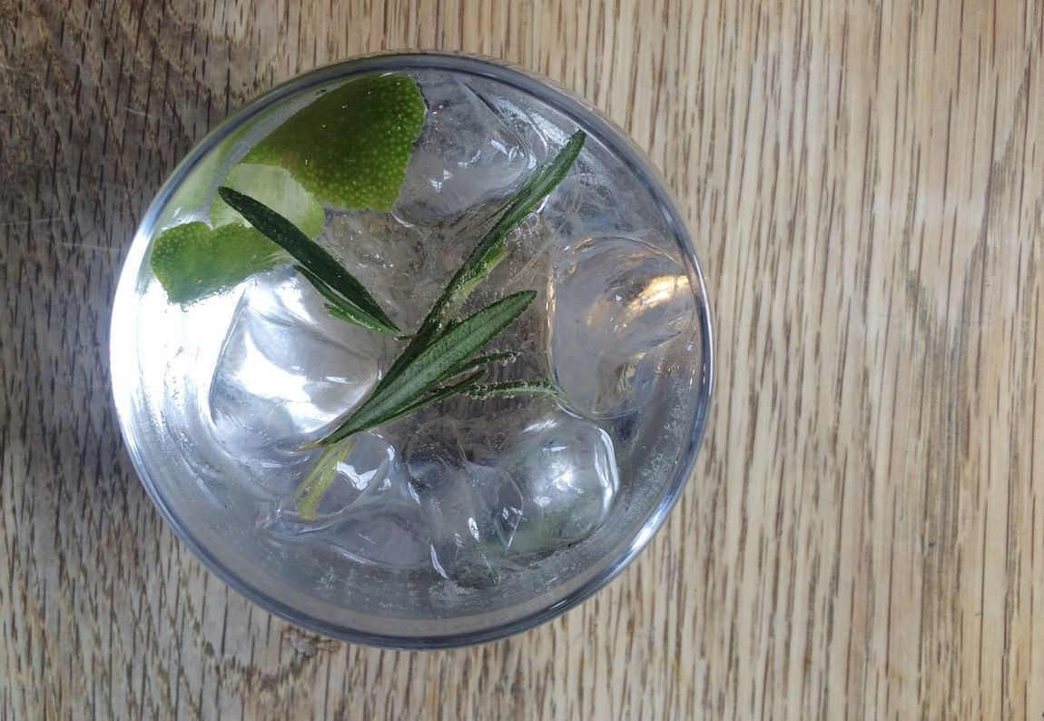 Food And Drink Gin & Tonic Gin And Tonic Refreshment Drink Ice Cube Beverage