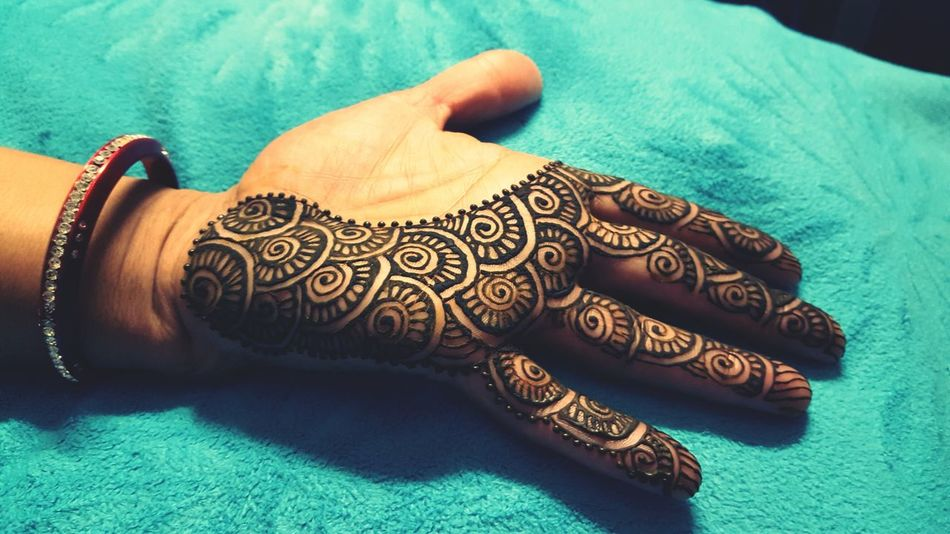 Cultures One Person Indoors  Close-up Human Body Part Adults Only Day Adult People Henna Henna Tattoo Henna Tattoo ❤
