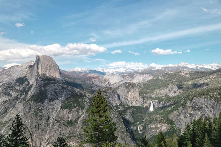 I'm not convinced I took enough pictures whilst visiting Yosemite for the first - and definitely not the last - time. The Great Outdoors - 2016 EyeEm Awards California Half Dome Yosemite Goexplore Fromwhereistand Live Authentic Adventure Live Folk Chasinglight Gooutside Wandering Peoplescreatives Waterfall
