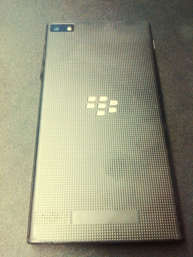 Blackberry Beautiful Blackberry10 Comfy  Relaxing Comfortable no apps .. but sometimes .. its best to have that ..