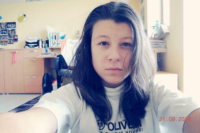 Portrait That's Me Brunette <3