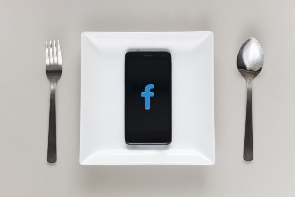 Social networking addiction Breakfast Dinner Fork Lunch Meal Post Share Spoon Addicted Antisocial Comment Eat Flat Lay Food And Drink Gadget Mealtime Networking Plate Smartphone Social Media Social Network Technology White