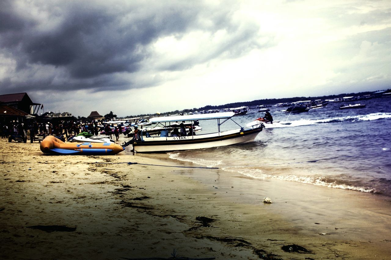 First Eyeem Photo Streetphotography Hollyday Beachphotography Tones And Contrast Tonemapping Outdoors No People Beach Beautiful Day Indonesia_photography Capture Berlin Capture Berlin