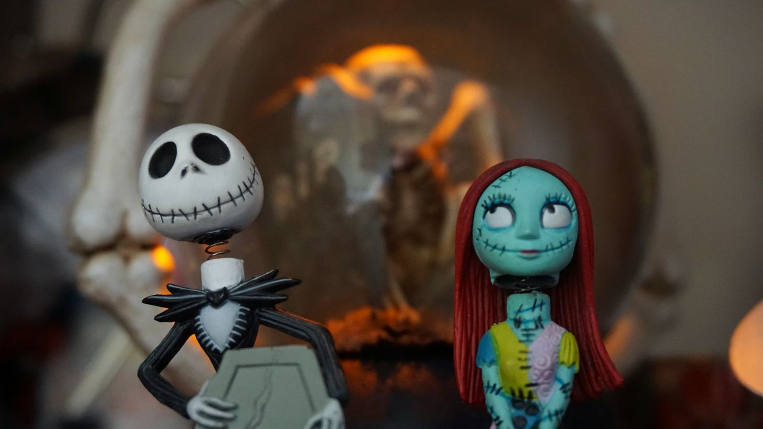 Human Representation No People Focus On Foreground Indoors  Close-up Doll Day Sceleton CorpseBride Nightmarebeforechristmas Man Women Manandwoman Love Cemetery Cemeterylovers