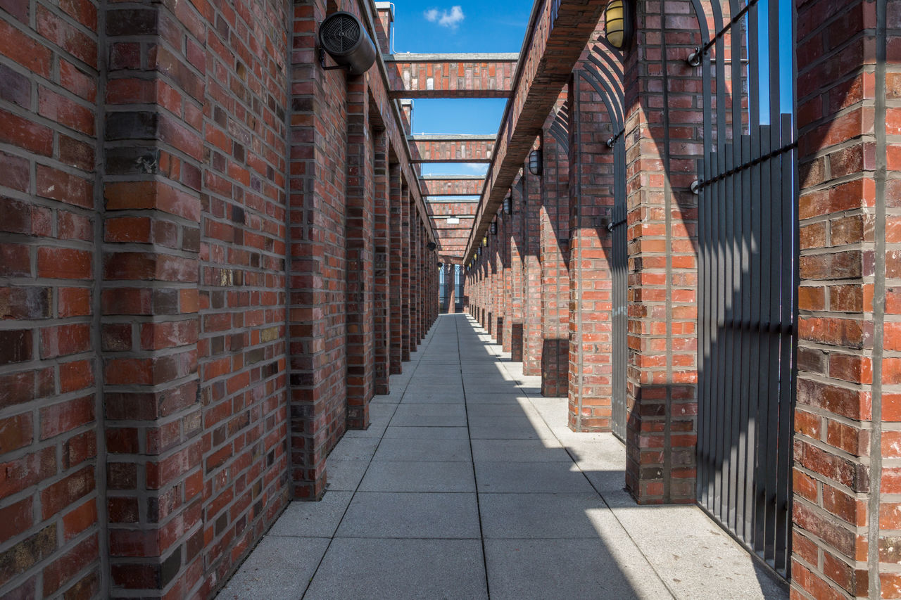 Beautiful stock photos of berliner mauer, Alley, Architecture, Berlin, Brick Wall
