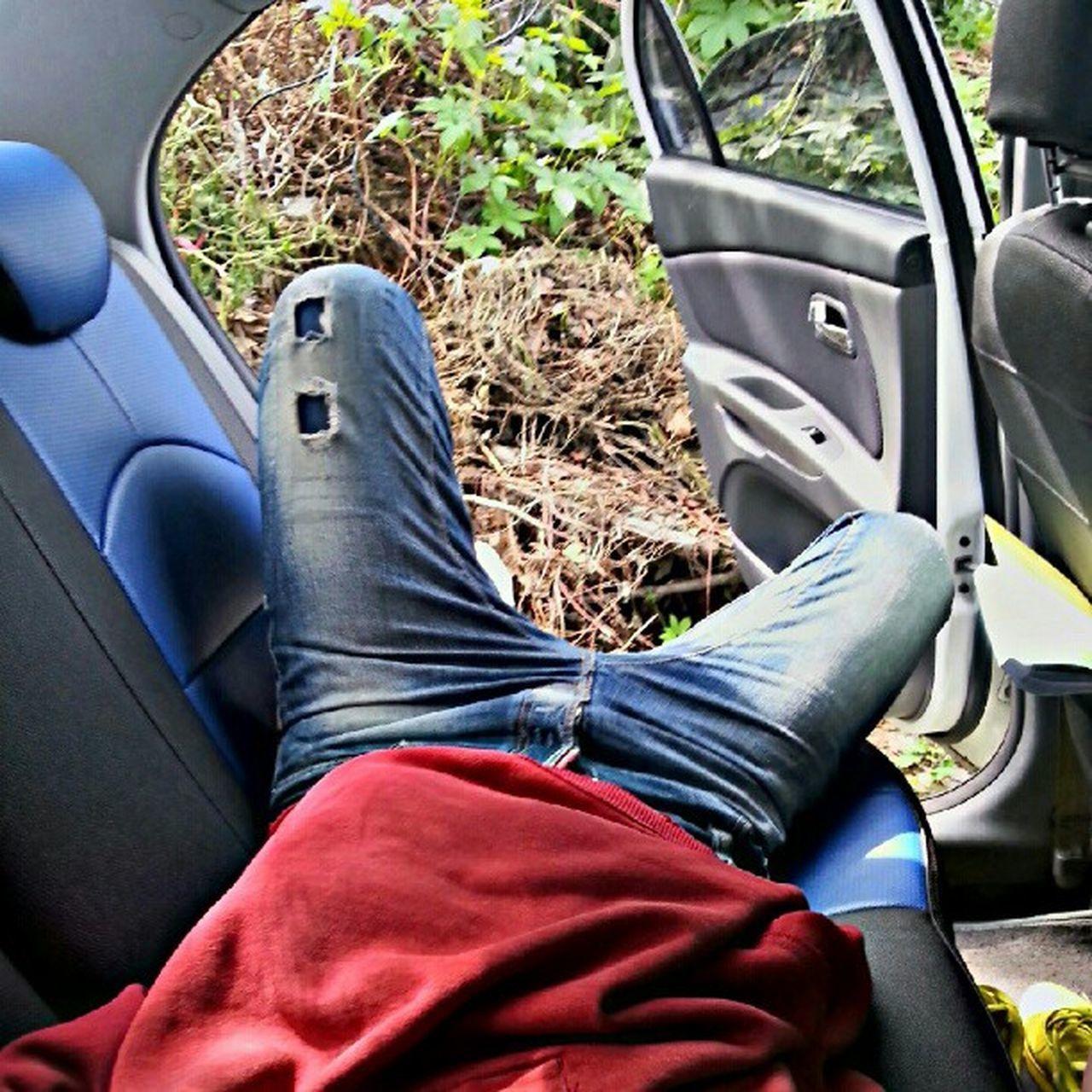Take a nap! Nap Car Jeans DSQUARED2 red hoodie back seat laid korea Seoul