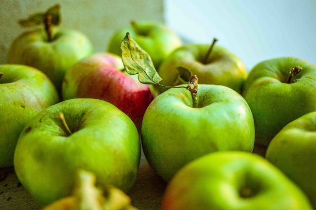 Picked Apples from the garden. Fall Beauty EyeEm Nature Lover Foodphotography Food Apple Vegetables Healthy Healthyeating Still Life