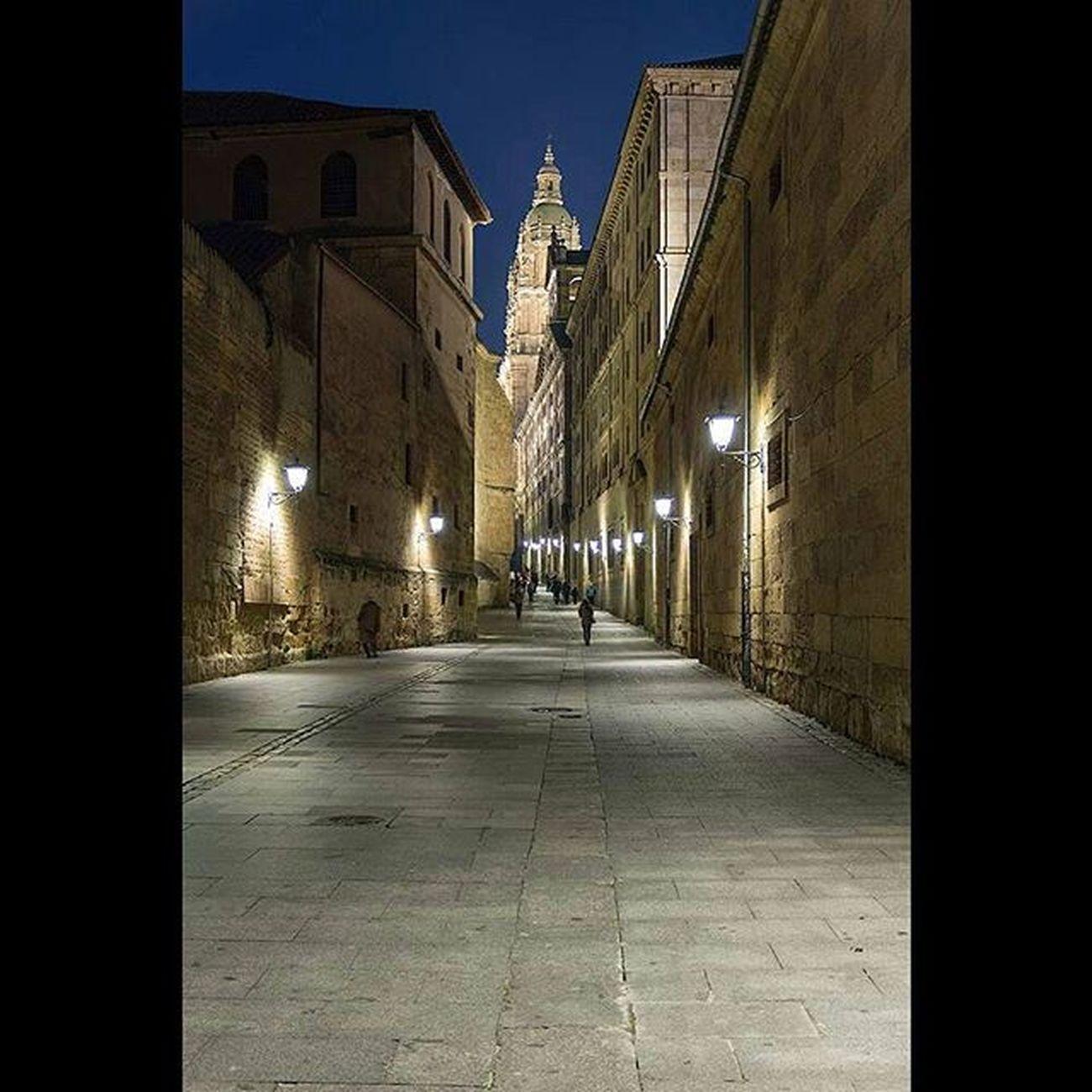 Salamanca, Calle Compañía. Salamanca Cultural Beautifulcity Color Nocturna Nocturnal