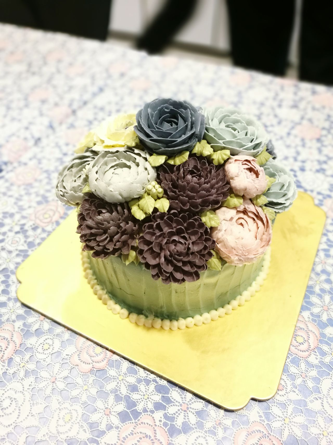 Cake Flower Cake Flower Blossom Delicious Sweet Indulgence Freshness Food Temptation Serving Size Ready-to-eat Indoors  Food Styling No People Close-up Day Beautiful Dessert Time Dessert Wonderful Moment Happy Cakelover Redvelvet Blue