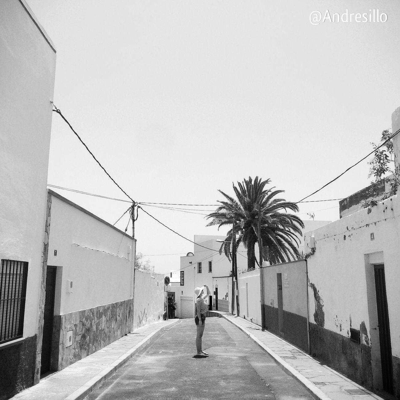 Poris. Monochrome EyeEm Best Shots - Black + White IPhoneography Shootermag EyeEm Best Shots Blackandwhite Photography Urbanphotography Architecture_bw Architecture_collection Urban Landscape