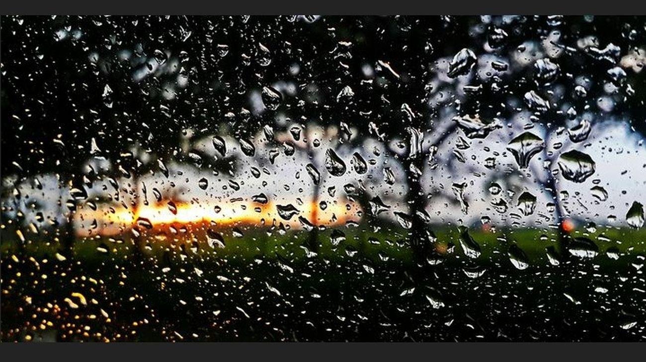 FOLLOW @NurniWulandari Colors Rain Action Shot  Photographer Popular Photos Photography Shoutoutvlog EyeEm Best Shots EyeEmBestPics EyeEm Best Edits