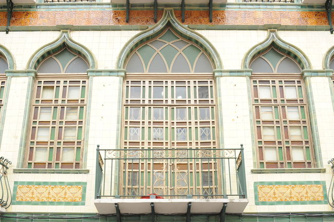 Architecture Backgrounds Building Exterior Built Structure Day Ecuador Facade Building Facade Detail Fairytale  Frame Full Frame Golden History No People Outdoors Tradition Window Windows