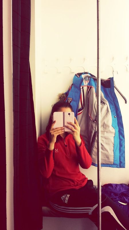 trying trying Shopping Bluejacket Mirror Changingroom