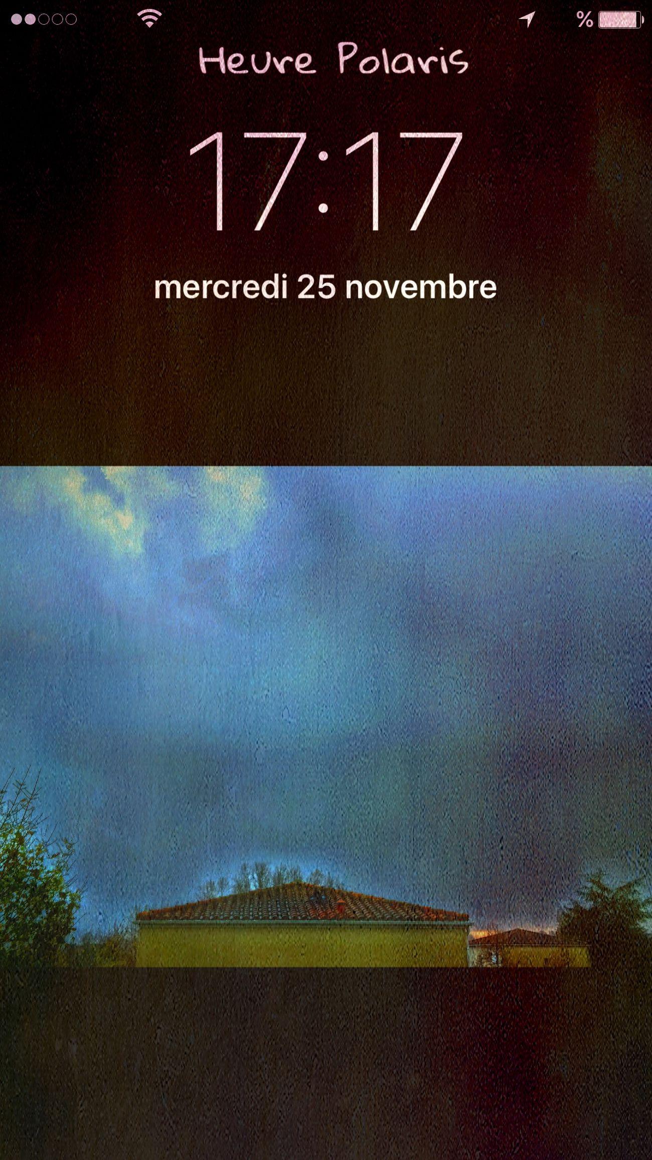 17H17 😳🙄une petite apparition avant de retourner au lit 😨😱 HEURE POLARIS Hour Heure Time CIELFIE Clouds Nuages Automne Autumn Automne Hivernal Skyfie Derrière Ma Fenêtre Behindmywindow