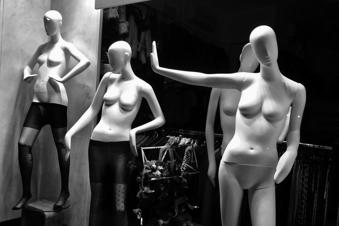 Fashion Female Likeness Mannequin Mannequins Mannequins4sale Outdoors Retail  Store Window Window Display