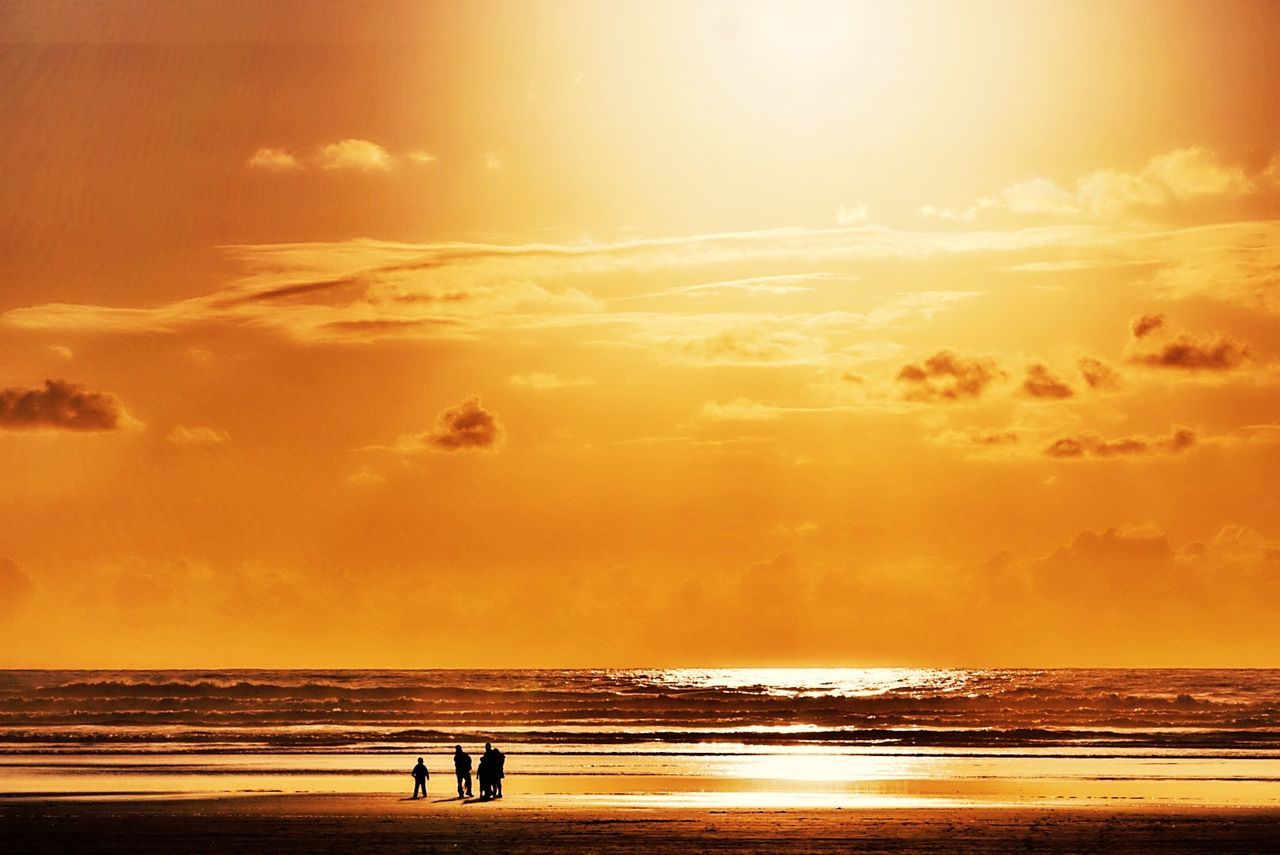 OtherMindMedia Urban Escape Taking Photos Relaxing Beautiful Nature Waterfront Cannon Beach Eclipse Sunset #sun #clouds #skylovers Sky Nature Beautifulinnature Naturalbeauty Photography Landscape [a: [