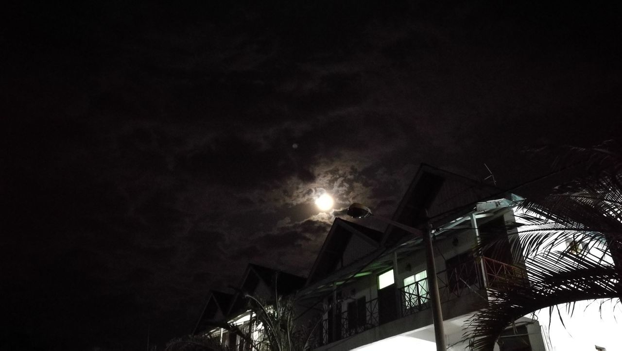 Moonlight Shadow Night View Melaka Chalet My Year My View