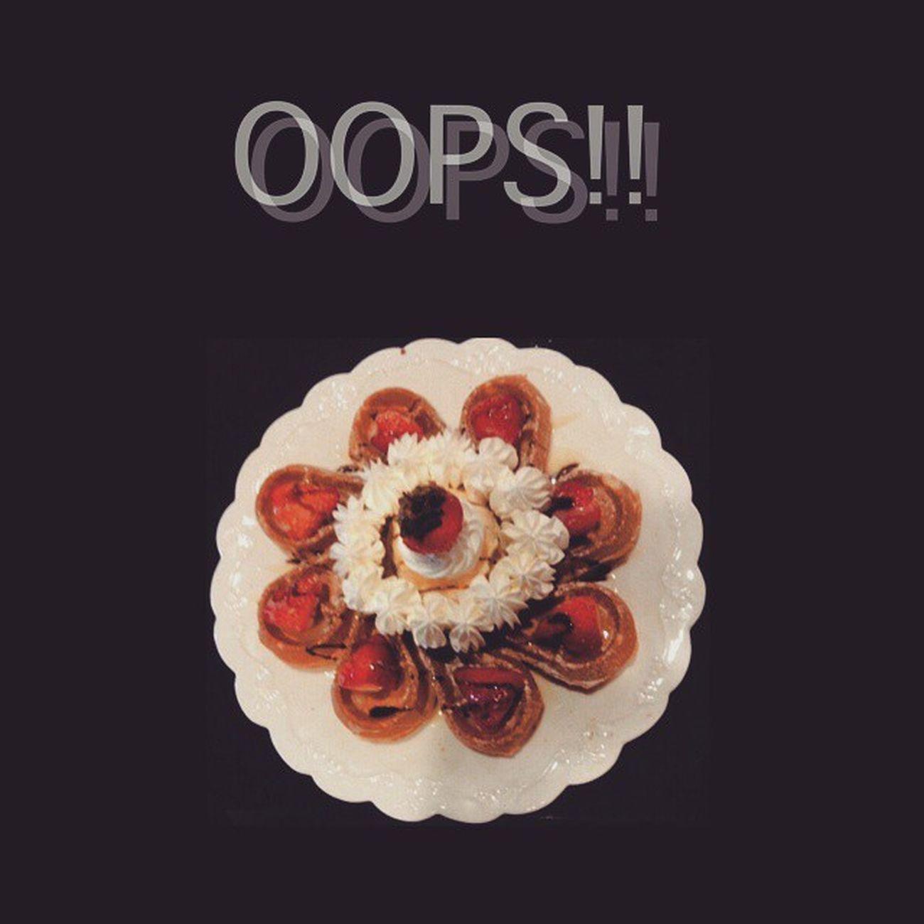 2015年1月29日 草莓爆乳 👄 我家阿寶說很好吃哦這個然後它一上桌阿寶就說好像是這個又好像不是我忘記了...... 有時候我也很無語 覺得我家阿寶很可愛 地點 Oops (花蓮) AQENの分享文